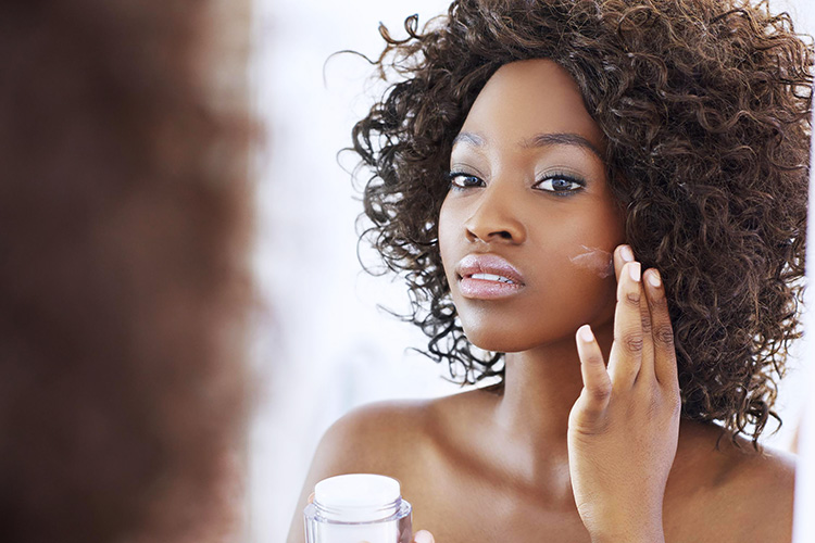 Quelle huile essentielle pour quel type de peau ?