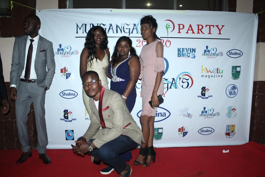 Munganga's Party (387)