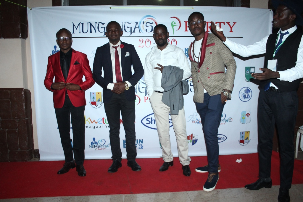Munganga's Party (396)