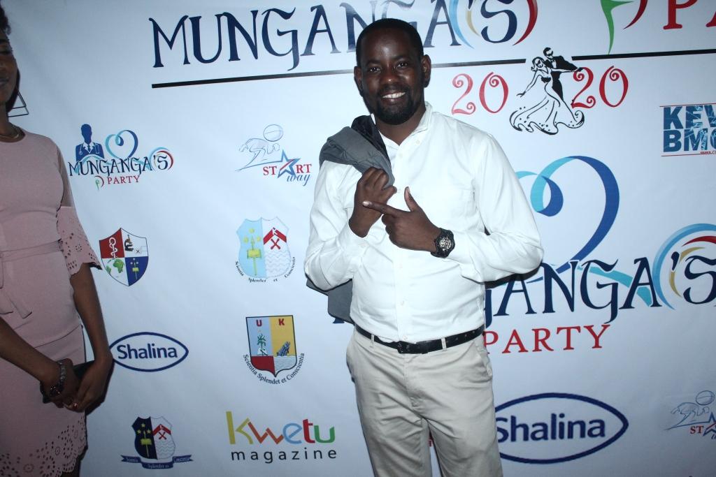 Munganga's Party (398)