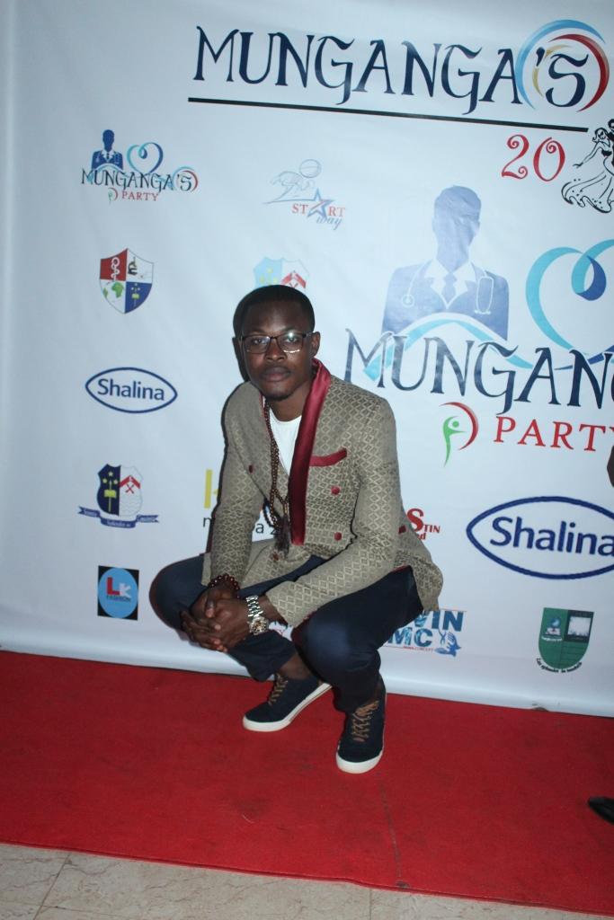 Munganga's Party (400)
