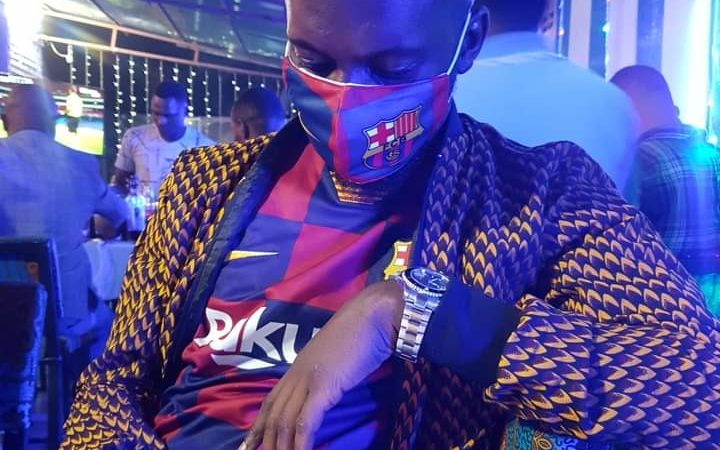 Sacré Herman AMISI avec son FC Barcelone chéri.